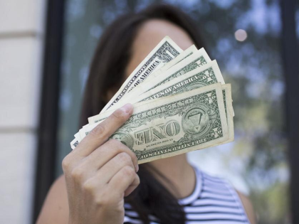 Become a Self-made Female Millionaire with These Simple Lifehacks